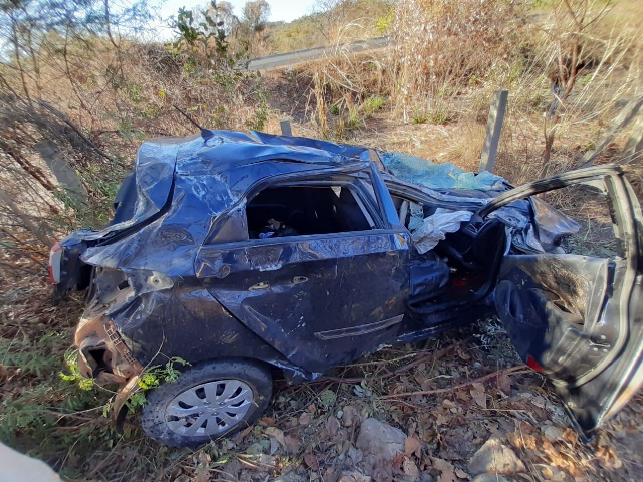 Homem morre e três pessoas ficam feridas após grave acidente em Floriano - Imagem 4