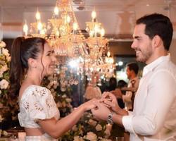 Deputado Marcos Sampaio e a advogada Manuelle Martins noivam oficialmente