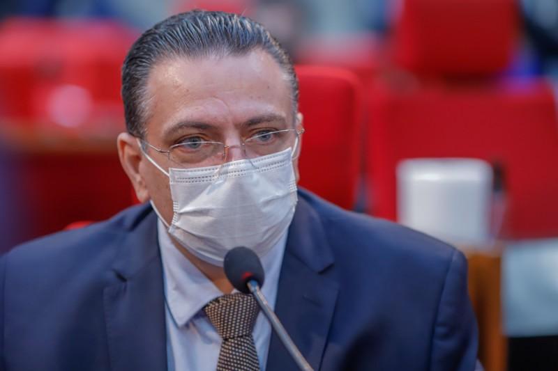 Gessivaldo Isaías agradeceu aos parlamentares presentes pela aprovação - Foto: Divulgação/Alepi