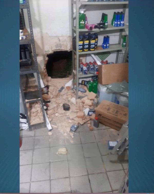 Bandidos sequestram frentista e roubam cofre de posto de gasolina em THE - Imagem 1