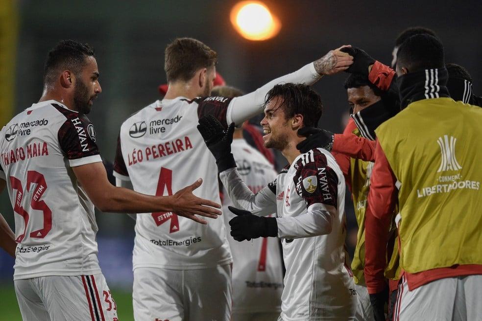 Michael comemora gol do Flamengo diante do Defensa y Justicia — Foto: EFE/ Gustavo Garello POOL