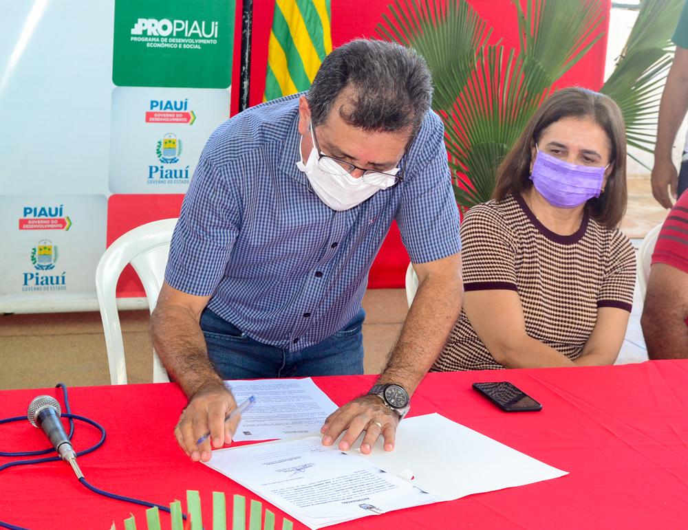 Prefeito Genival Bezerra recebe o Coordenador do PRO PIAUÍ Rafael Fonteles - Imagem 14