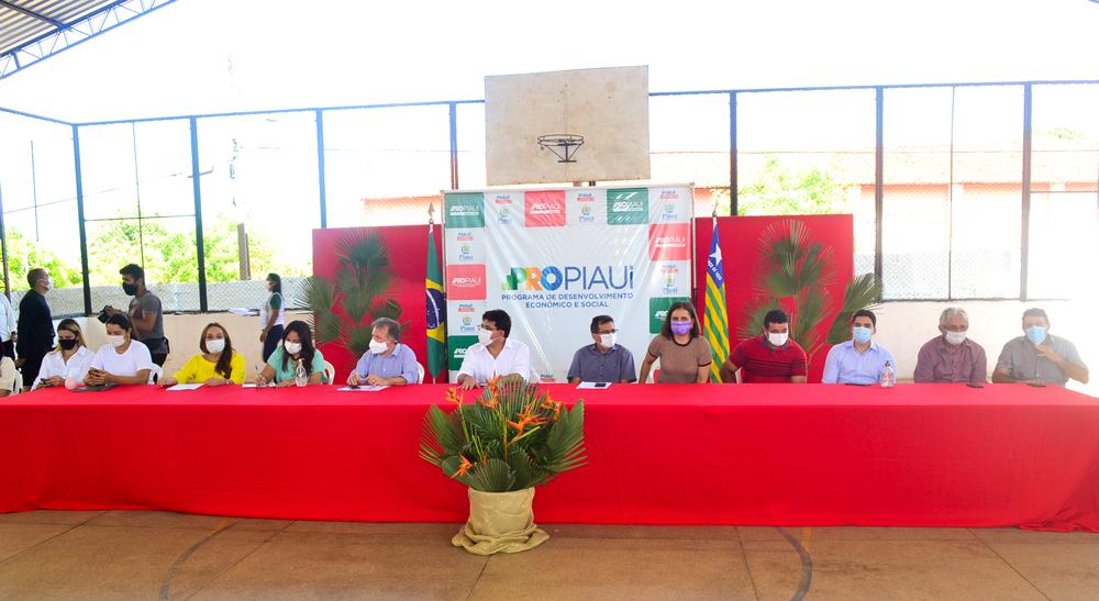 Prefeito Genival Bezerra recebe o Coordenador do PRO PIAUÍ Rafael Fonteles - Imagem 11