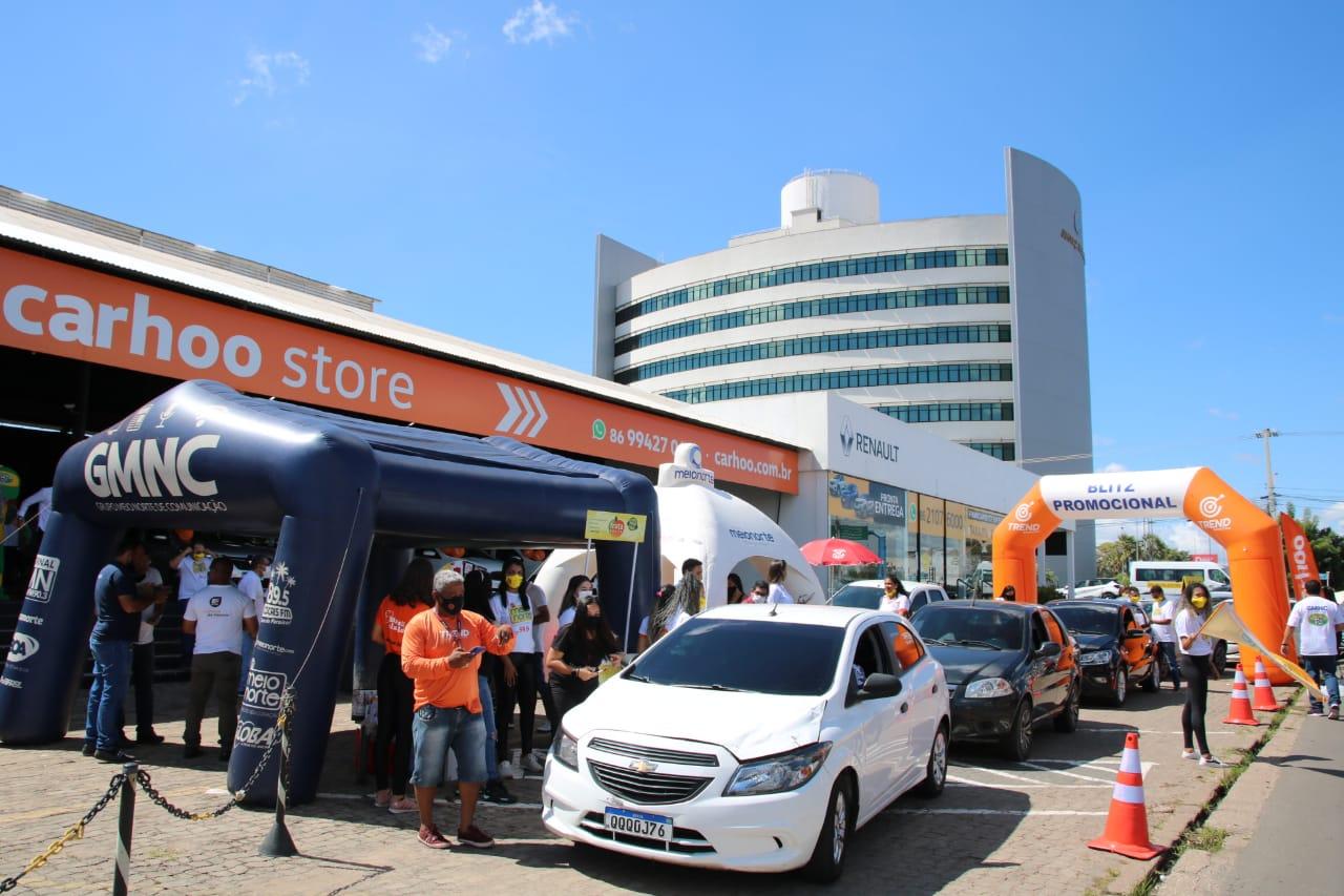 Rádio Meio Norte FM promove blitz na Carhoo da av. Miguel Rosa, em Teresina- Foto: Davi Carvalho