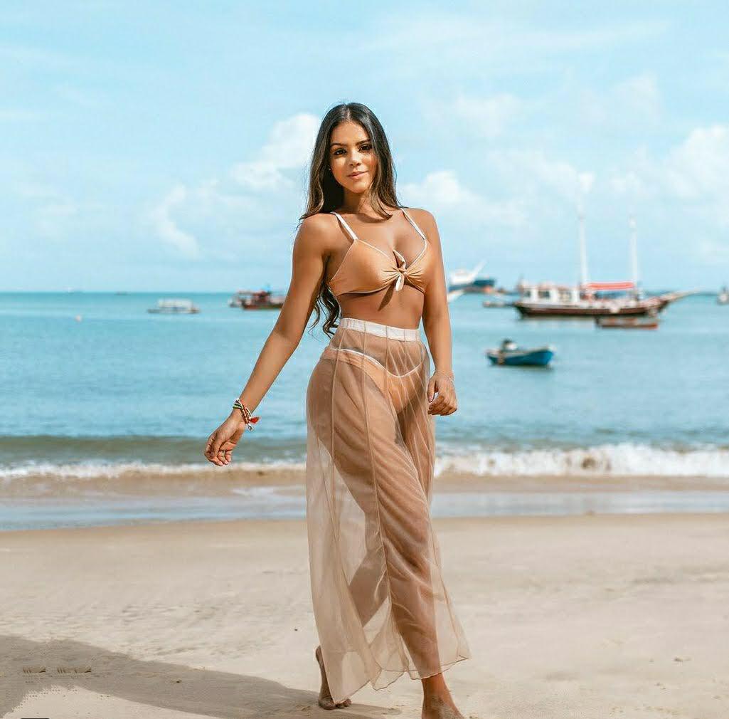 Moda praia, com peças da empresária Giovanna Gomes