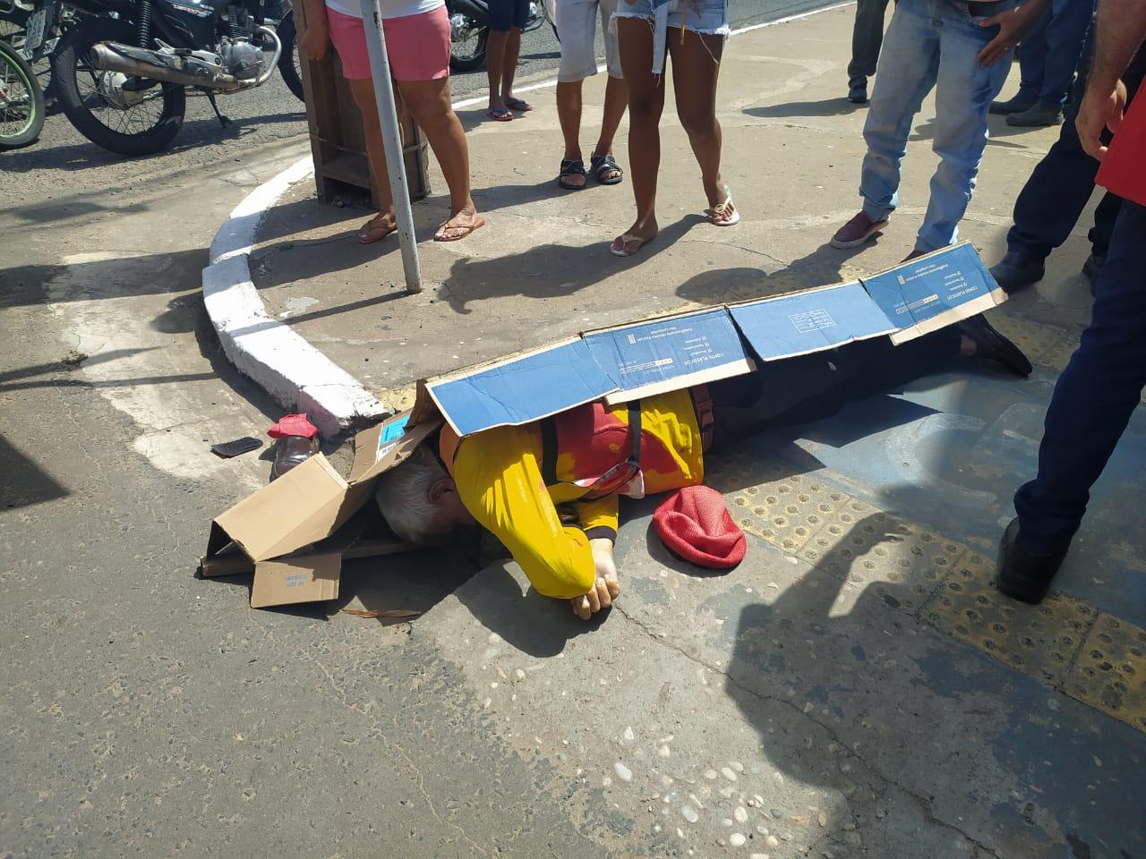 Mototaxista foi morto com diversos tiros (Foto: Ivan Lima/ Portal Meio Norte)