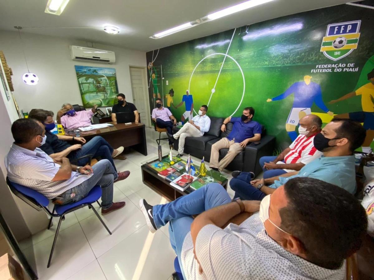 Reunião entre representantes dos clubes e a FFP - Foto: Divulgação/FFP