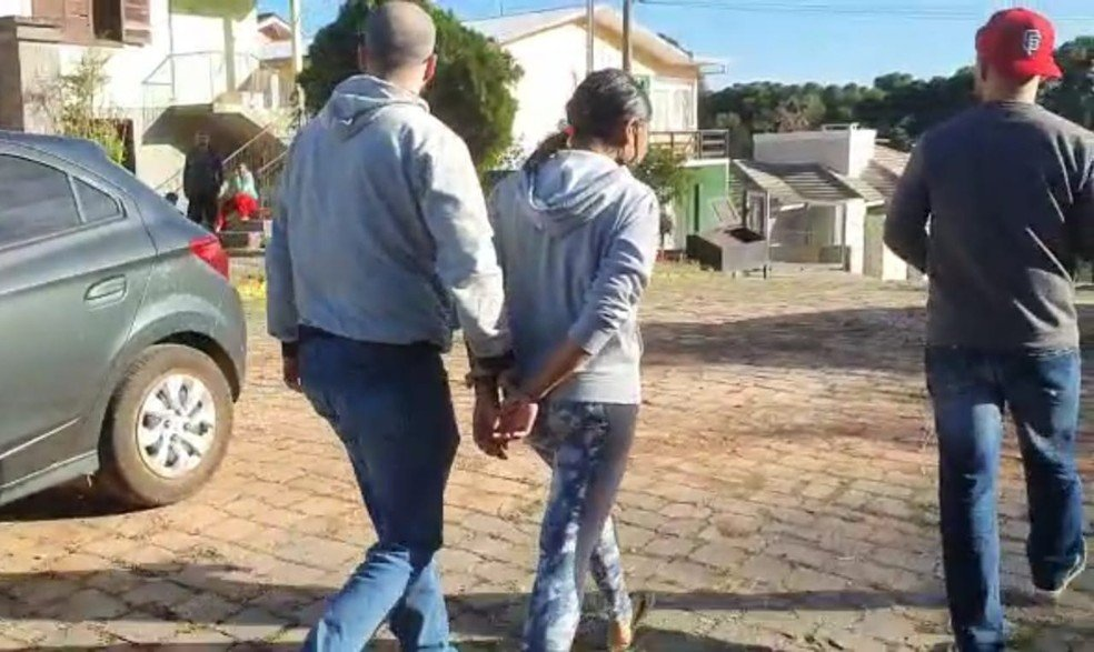 Suspeita de ser mandante do crime contra as adolescentes foi presa no Rio Grande do Sul