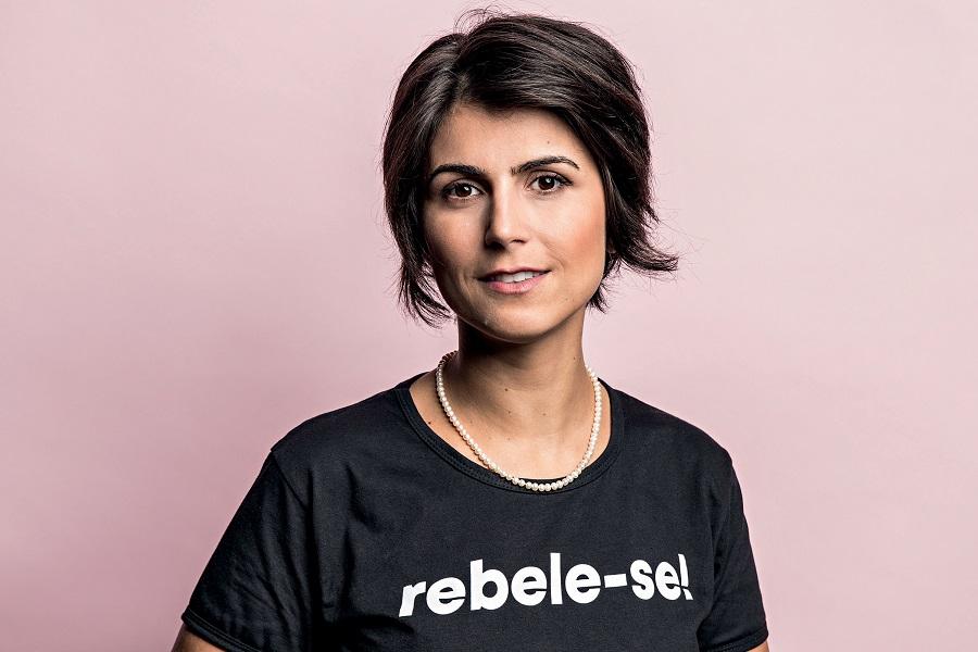 "Manuela d""Ávila é vítima de ataque de hackers e é dada como ""morta"" no sistema do SUS"