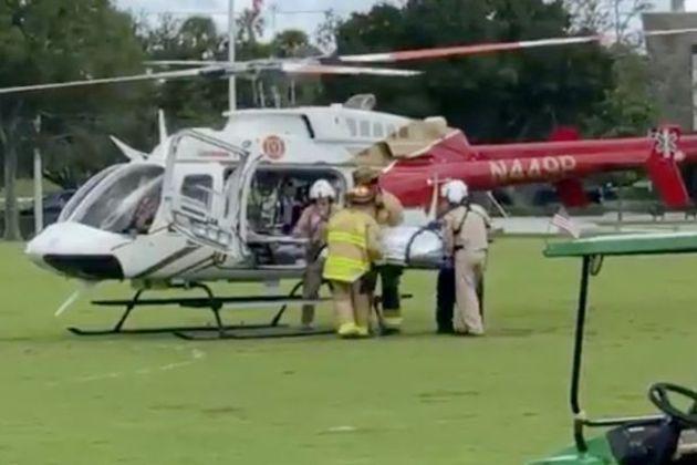 """Ciclista ferido teve que ser levado para hospital de helicóptero. (Foto: Reprodução-Martin County Sheriff""""s Office)"""