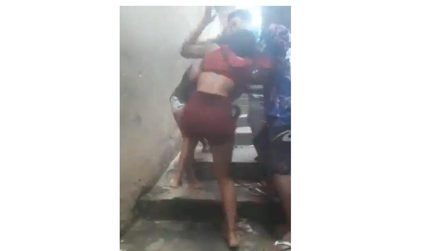 Vídeo da briga viralizou nas redes sociais (Foto: Reprodução)