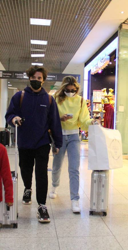Sasha volta para São Paulo com o marido após melhora do pai  - Imagem 1