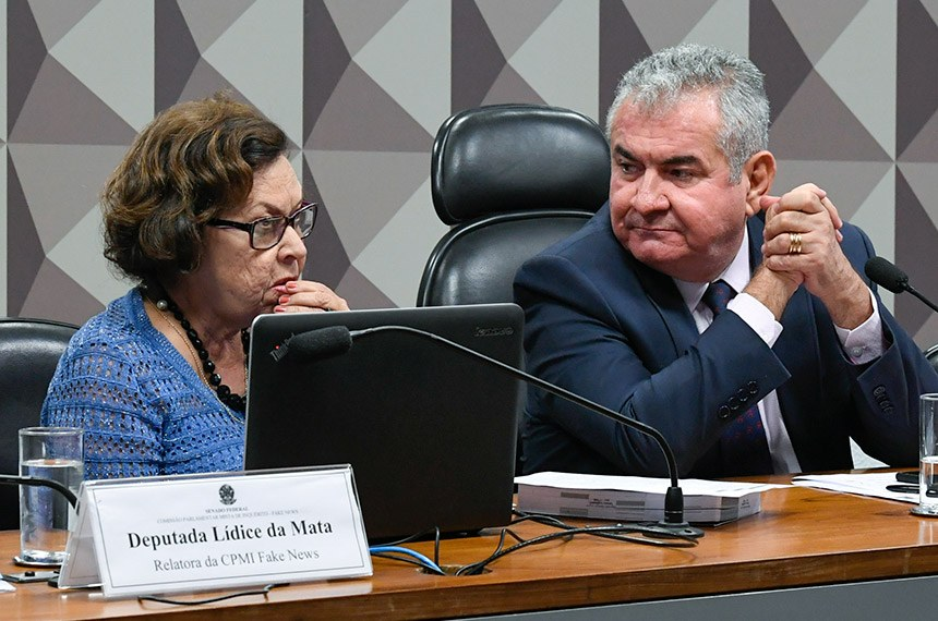 Deputada Lídice da Mata, e o presidente do colegiado, senador Angelo Coronel (Foto: Marcos Oliveira/Agência Senado)