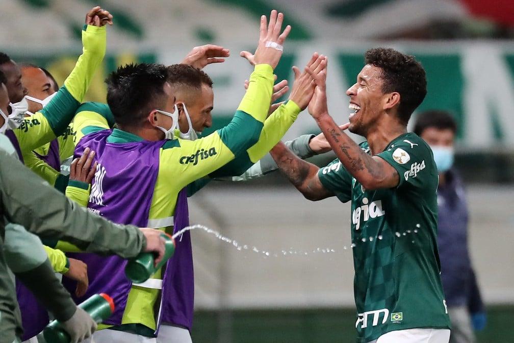 Marcos Rocha comemora seu gol pelo Palmeiras contra a U. Católica, pela Libertadores-Imagem: Sebastião Moreira/ AFP