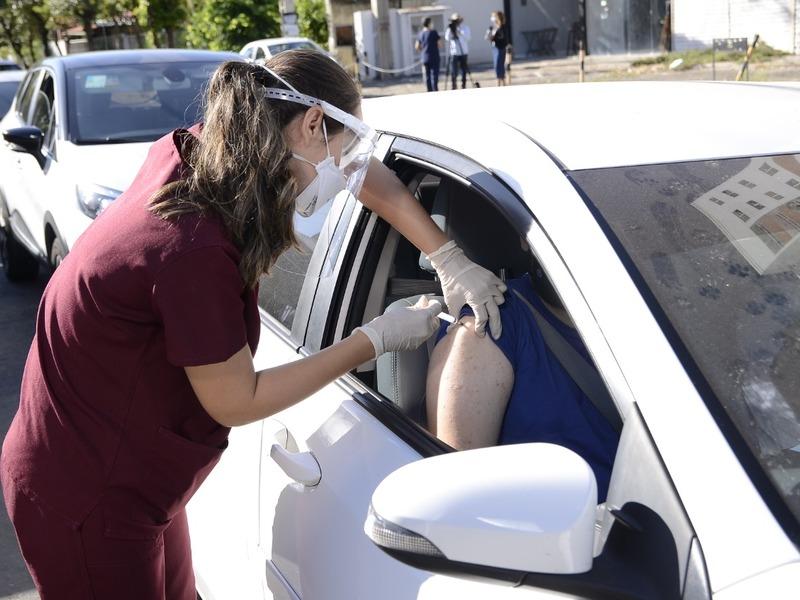 Teresina terá drive thru para a população de 40 e 41 anos amanhã (23) - Imagem 1