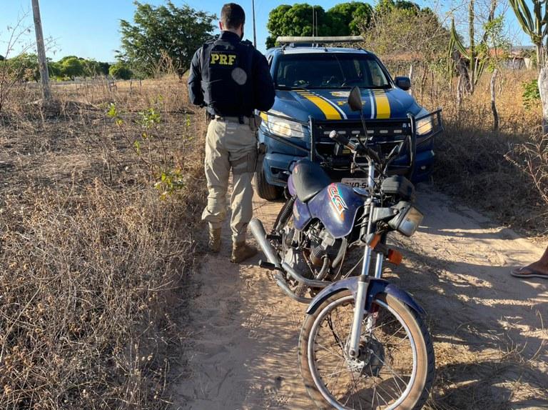 Polícia Rodoviária Federal recuperou veículo depois de 15 anos do roubo - Foto: Divulgação/PRF