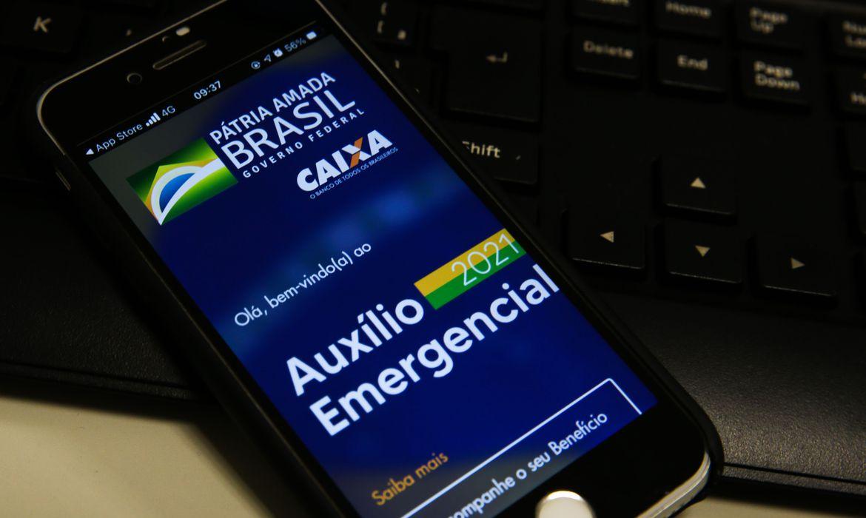 Caixa paga hoje o auxílio emergencial para nascidos em agosto (Foto: Marcello Casal Jr/ Agência Brasil)