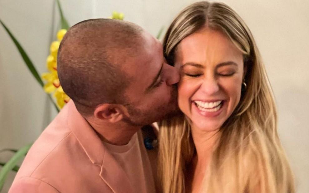 Paolla Oliveira e Diogo Nogueira assumem romance (Foto: Hugo Gloss)
