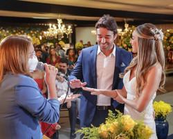 Marden Menezes e Mariel Oliveira se casam em cerimônia restrita; fotos!