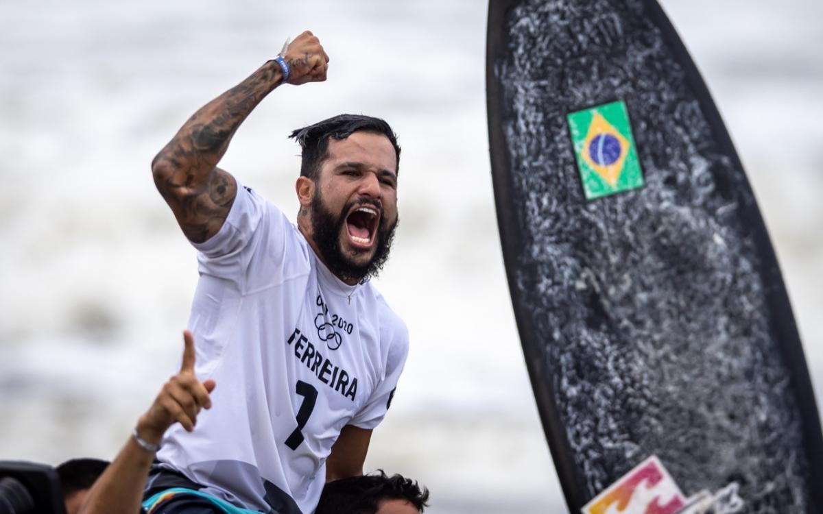Ítalo Ferreira ganhou ouro em Tóqui (Jonne Roriz/COB)
