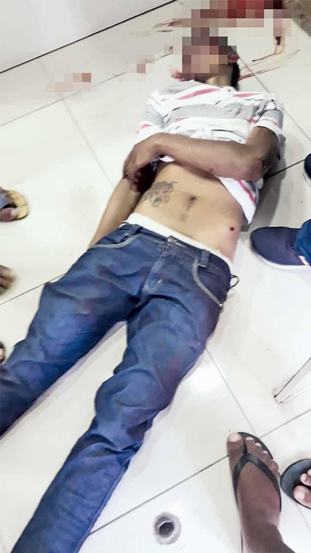 Assaltante ficou ferido durante luta corportal com segurança da loja de celulares. (Foto: Reprodução)