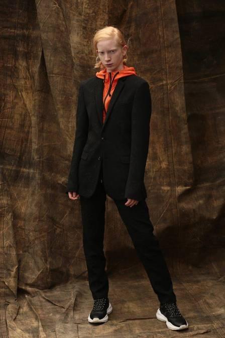 Modelo albina decide investir na carreira de modelo. (Foto: Reprodução)