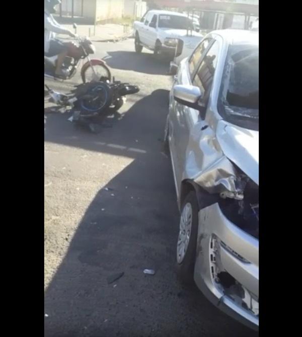 Colisão entre veículos aconteceu na Avenida Zequinha Freire - Foto: Reprodução
