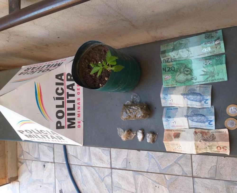 Material encontrado pela Polícia Militar na casa do golpista - Foto: Divulgação/Polícia Militar