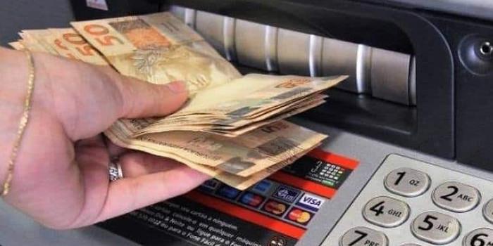 PMU antecipa salários e garante todos os benefícios do servidor municipal