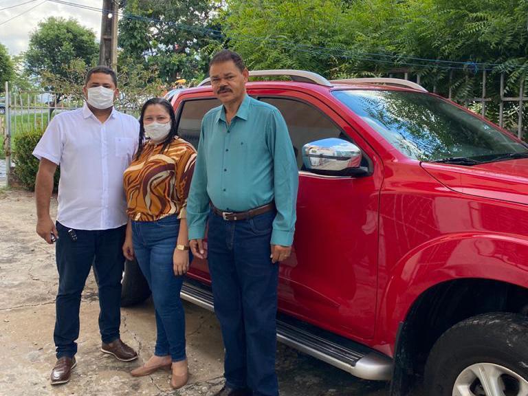 Prefeita Claudia Medeiros recupera veículo que se encontrava sucateada - Imagem 2