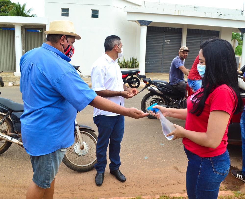Prefeitura de Joaquim Pires, realiza a entrega de peixes para famílias - Imagem 2