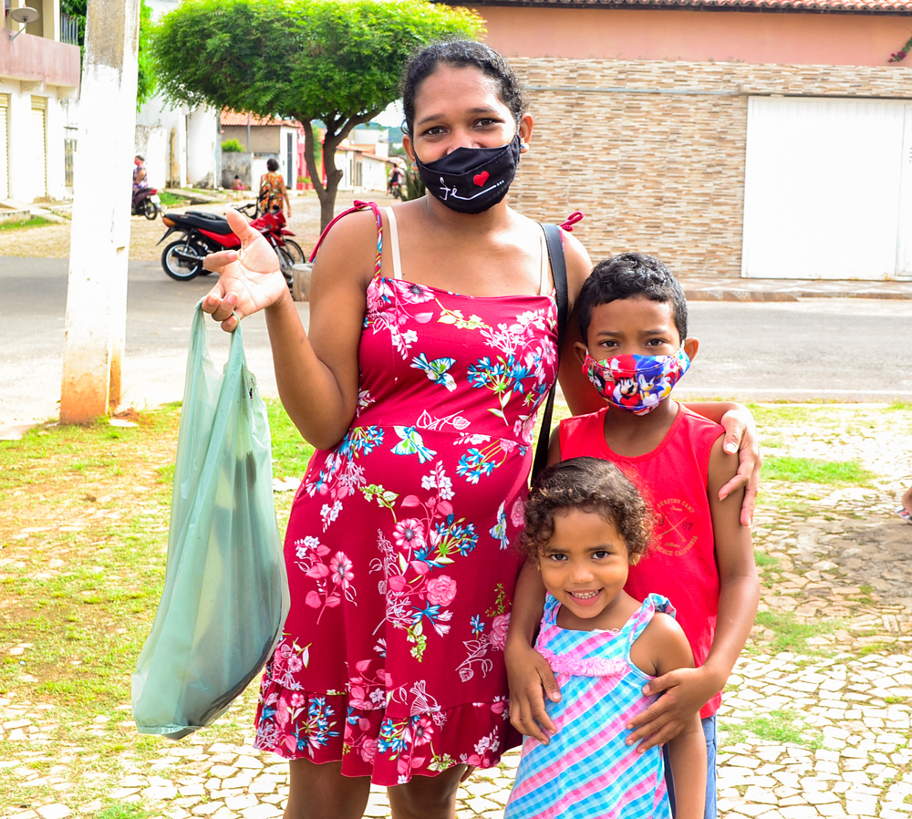Prefeitura de Joaquim Pires, realiza a entrega de peixes para famílias - Imagem 8