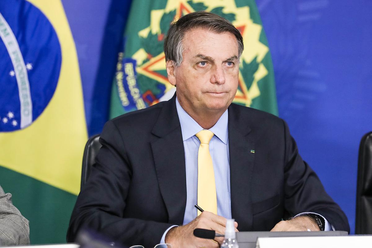 Bolsonaro teria sido um dos motivos pela qual a jornalista pediu para sair da Jovem Pan, já que parte do público da emissora é bolsonarista