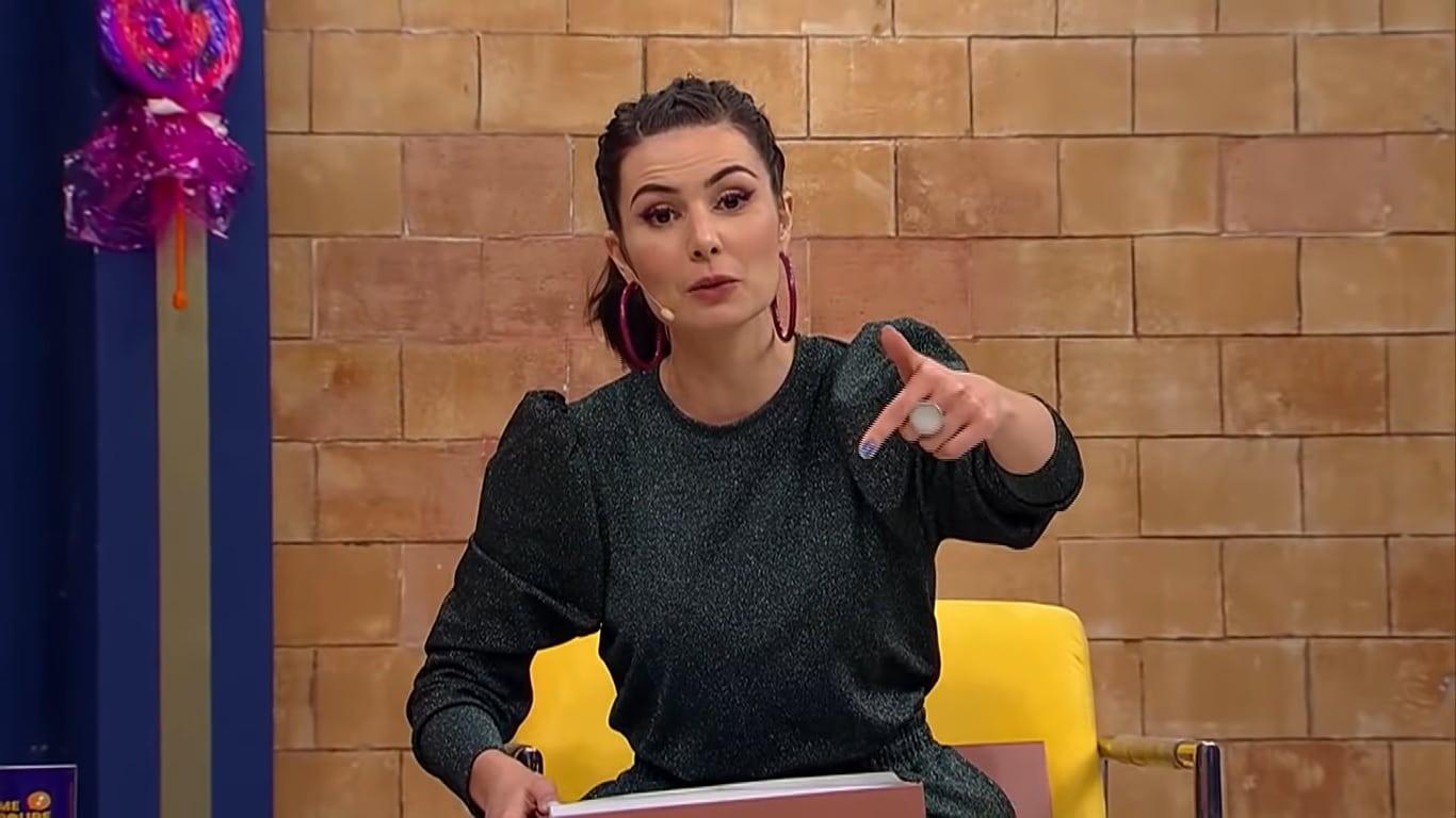A especialista em finanças Nathália Arcuri pediu demissão após Sikeira Jr fazer comentários homofóbicos e não ser punido na emissora