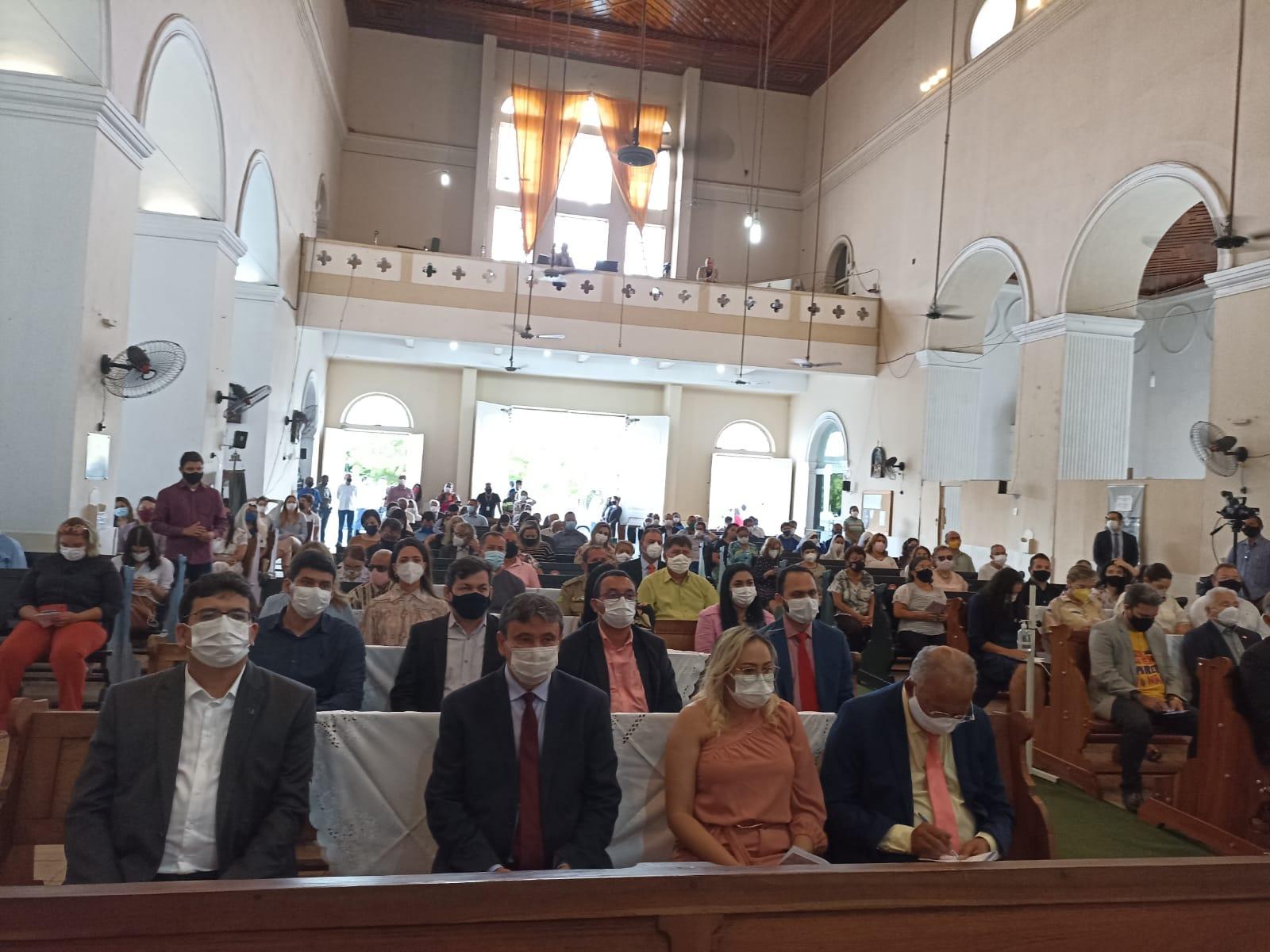 Governador participa de Missa de Aniversário de Teresina - Foto: Efrém Ribeiro