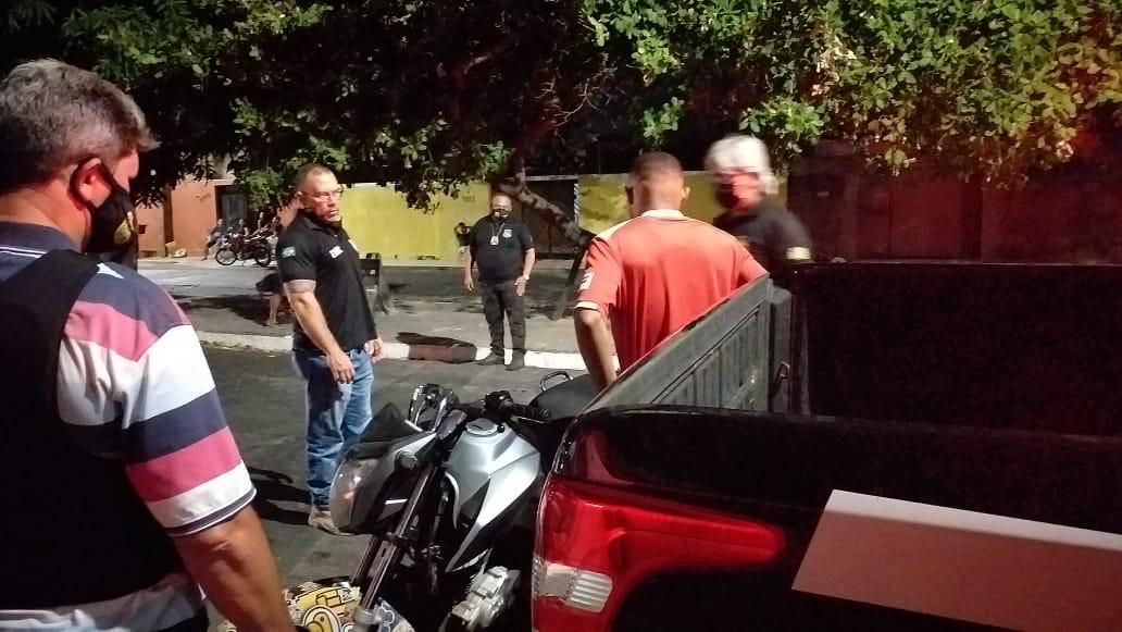 Condutor de moto aborado durante operação em Teresina. (Foto: Divulgação)