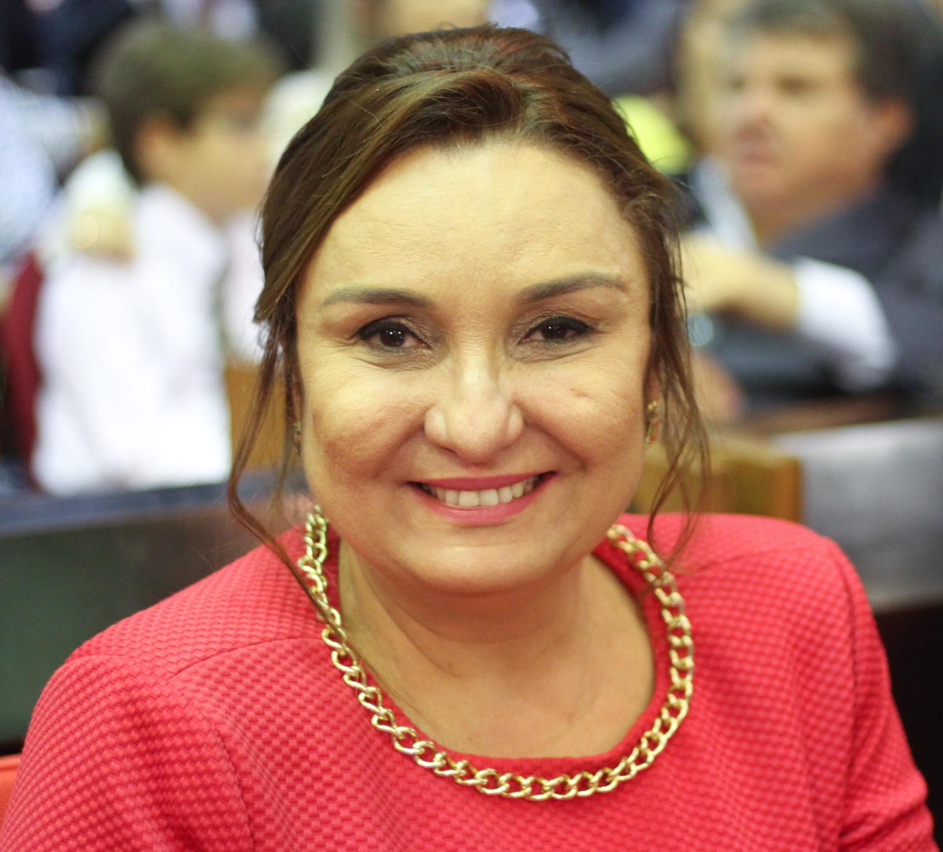Flora Izabel registra candidatura à vaga de conselheira do Tribunal de Contas nesta segunda (23)