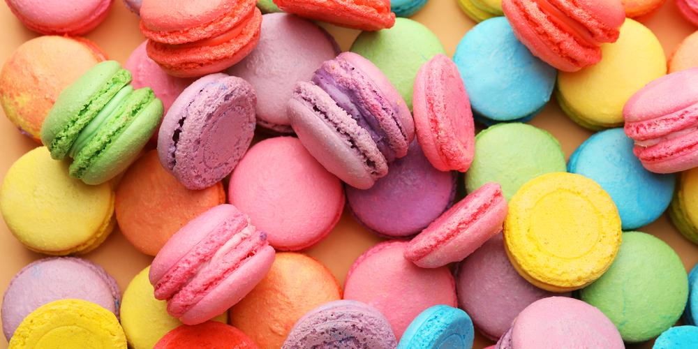 Presença nas refeições brasileiras de produtos industrializados e repletos de aditivos como os corantes. (Foto: Reprodução)