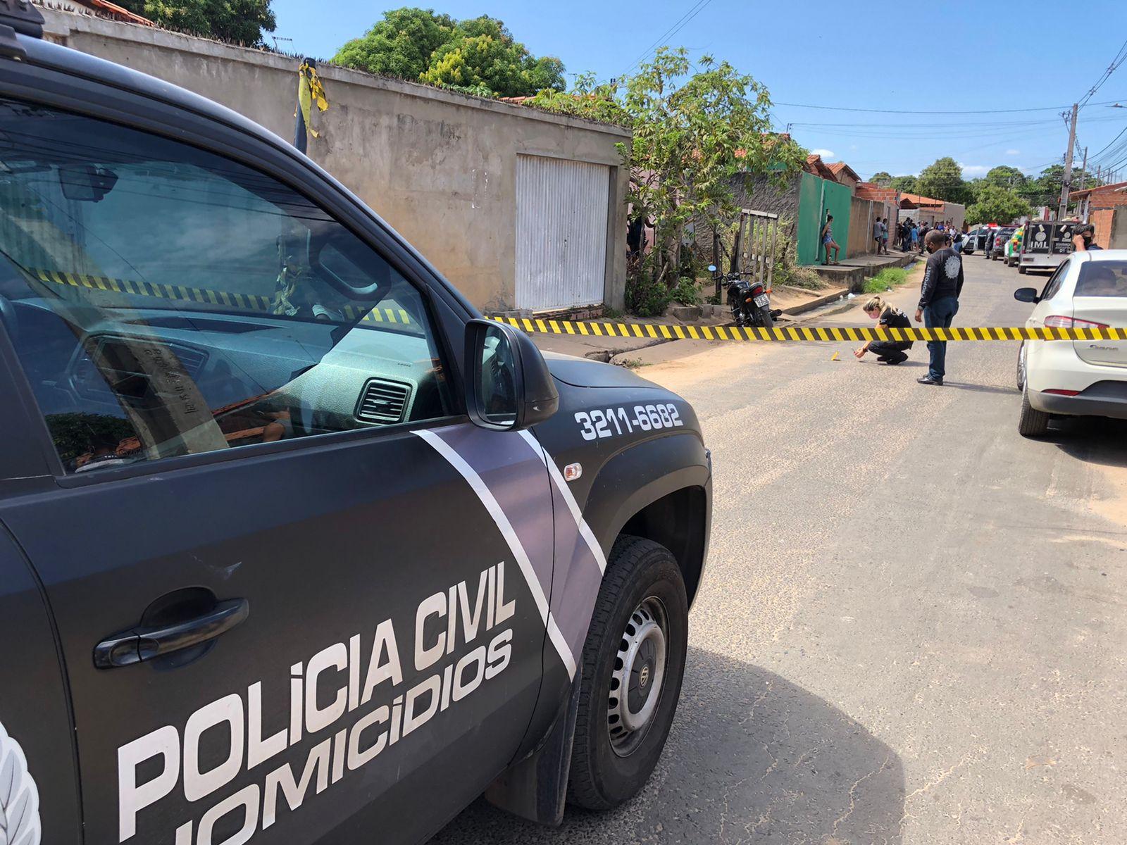 Homem é morto a tiros na Vila Irmã Dulce, em Teresina - Foto: Matheus Oliveira/Portal MN