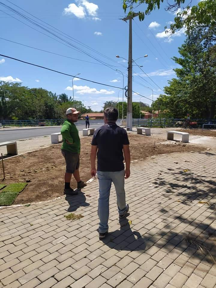 Prefeito João Luiz faz vistoria a obra em finalização em Monsenhor Gil - Imagem 4