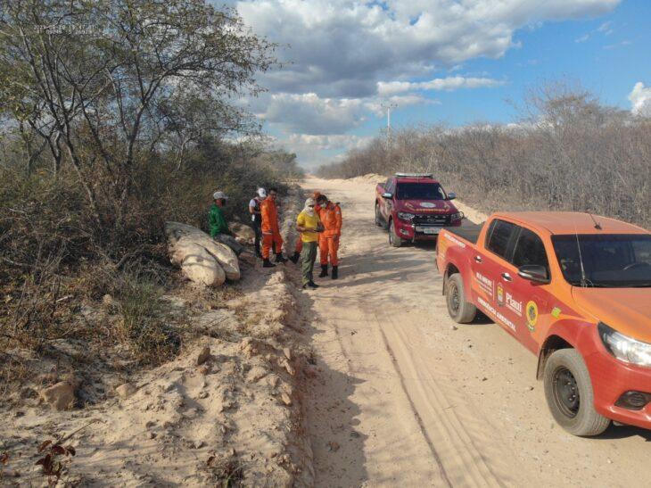 Voluntários atuaram juntamente com a Semar e o CBMEPI no combate ao incêndio em locais de maior risco - Foto: Ascom