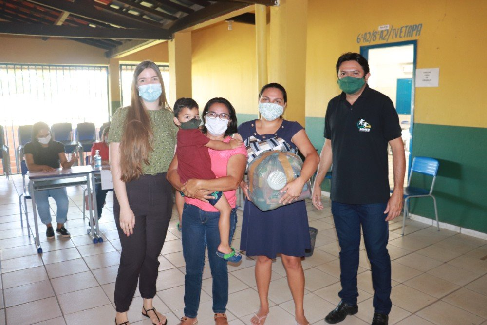Prefeitura de Lagoinha entregou kits de Alimentação Escolar para Alunos - Imagem 8