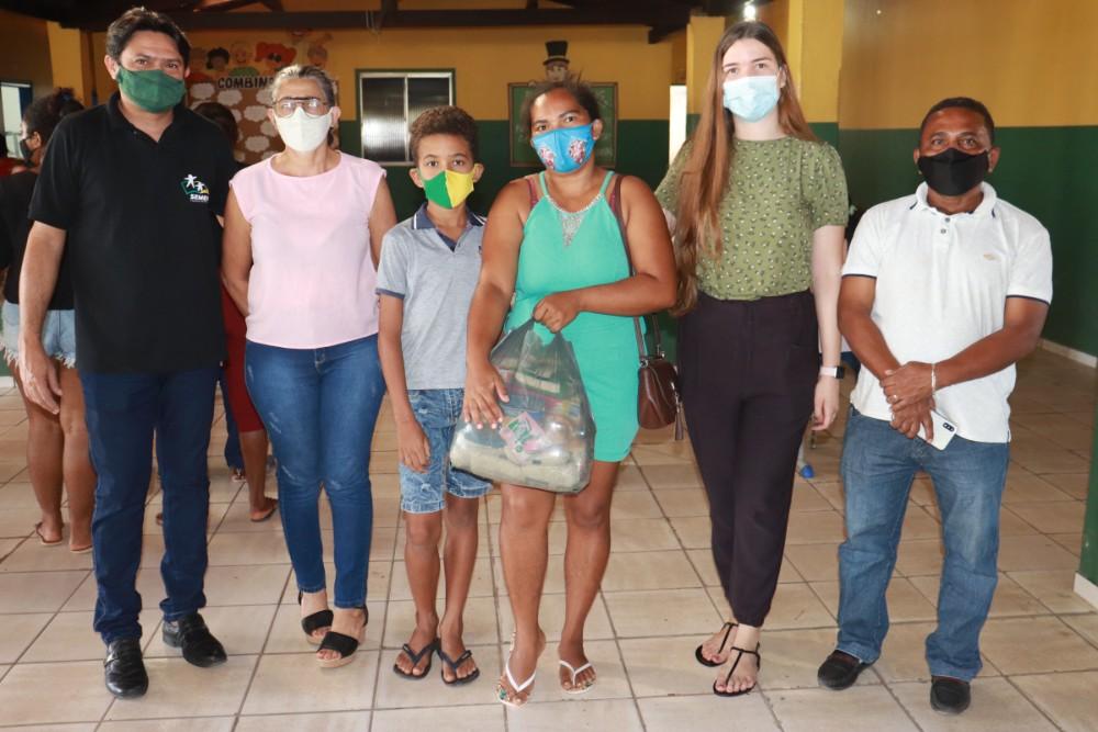 Prefeitura de Lagoinha entregou kits de Alimentação Escolar para Alunos - Imagem 7