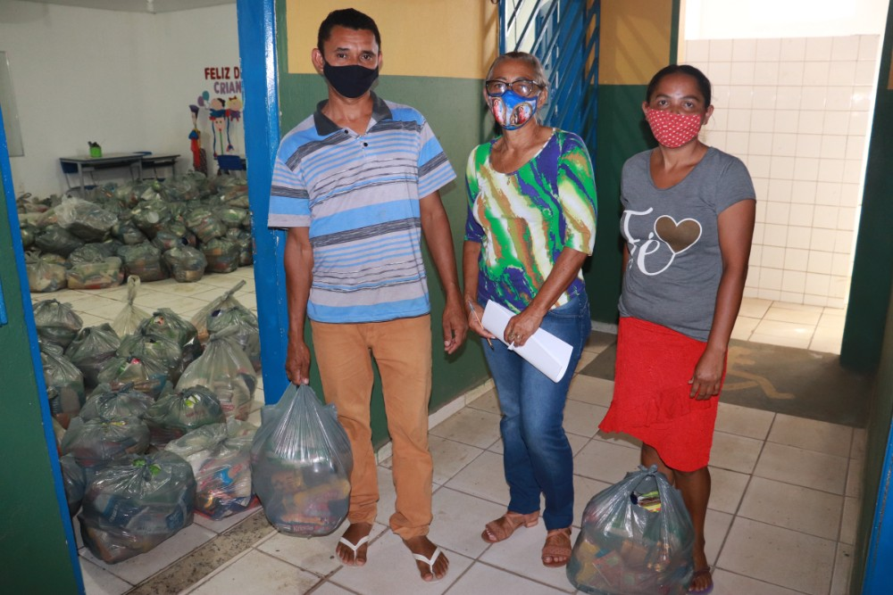 Prefeitura de Lagoinha entregou kits de Alimentação Escolar para Alunos - Imagem 6