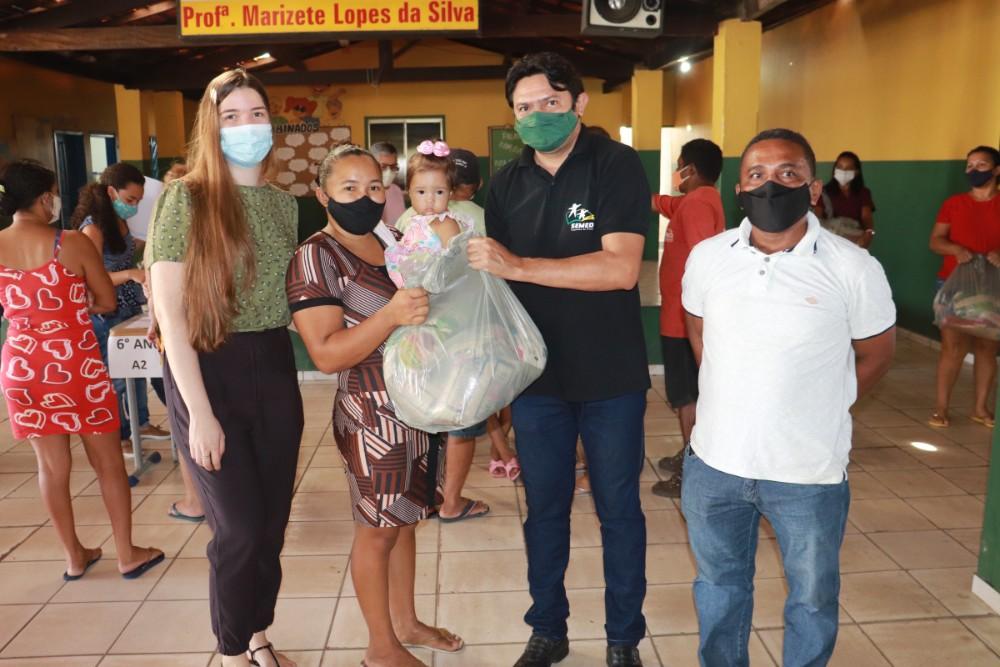 Prefeitura de Lagoinha entregou kits de Alimentação Escolar para Alunos - Imagem 1