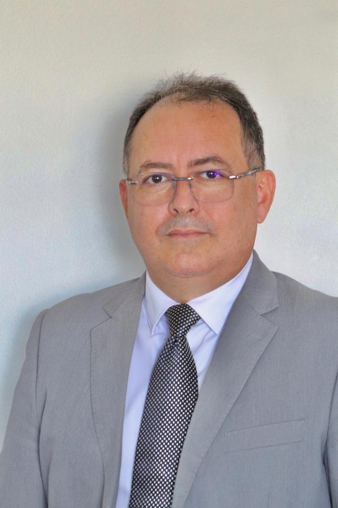 Advogado Cláudio Feitosa, especialista em direito trabalhista, avalia extinção da EIRELI