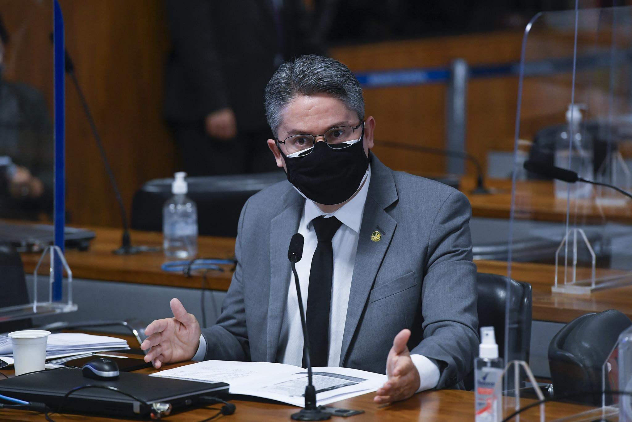 Na CPI da Pandemia, Alessandro Vieira combate o negacionismo. Agora, quer disputar a presidência da República. Foto: Jefferson Rudy/Agência Senado
