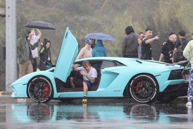 Astro pop também gosta de carros de luxo. (Foto: Reprodução)