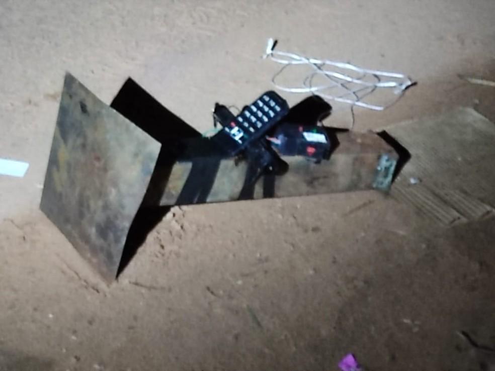 Bomba abandonada por criminosos durante ataque