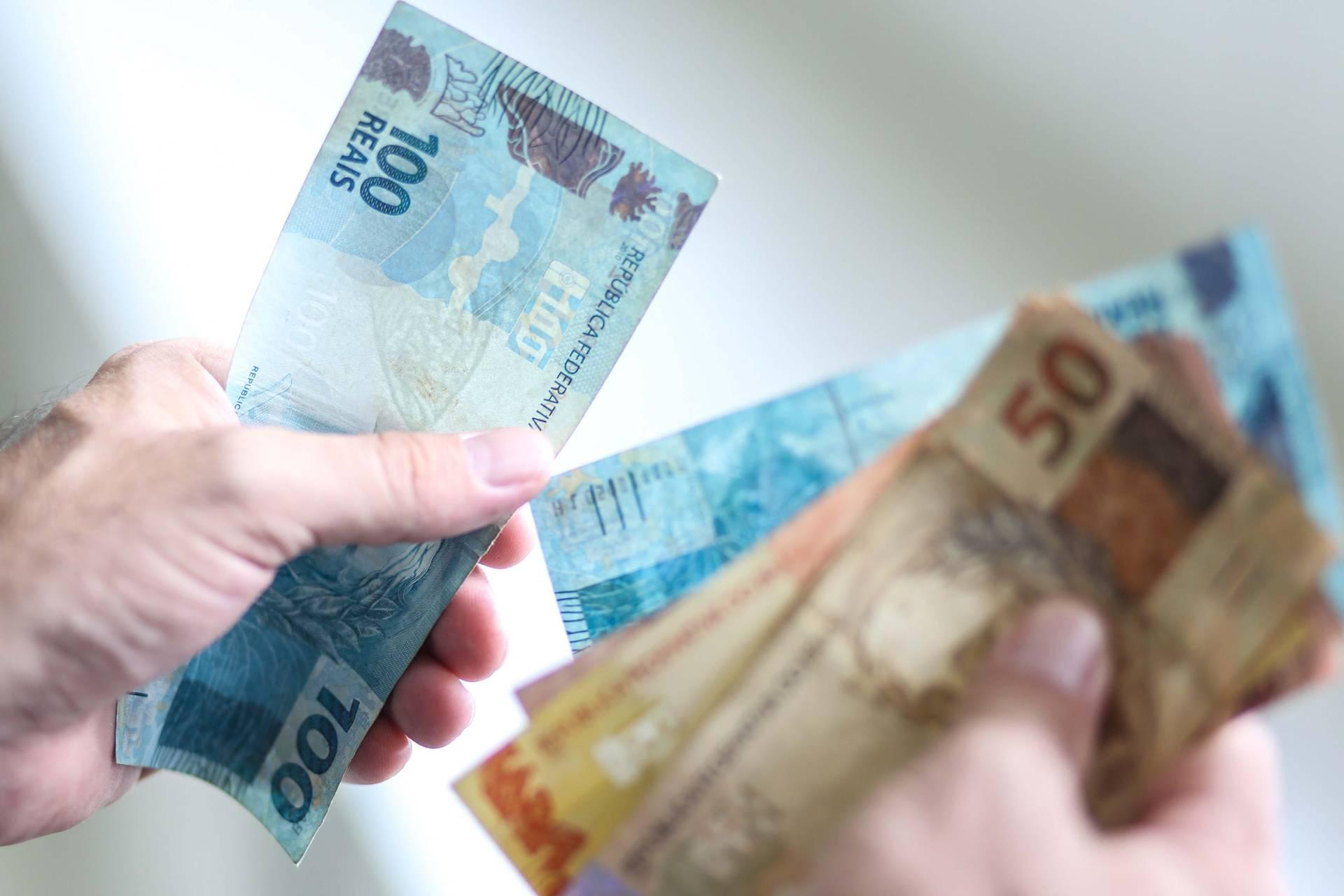 Governo Federal propõe salário mínimo de R$ 1.169 para 2022